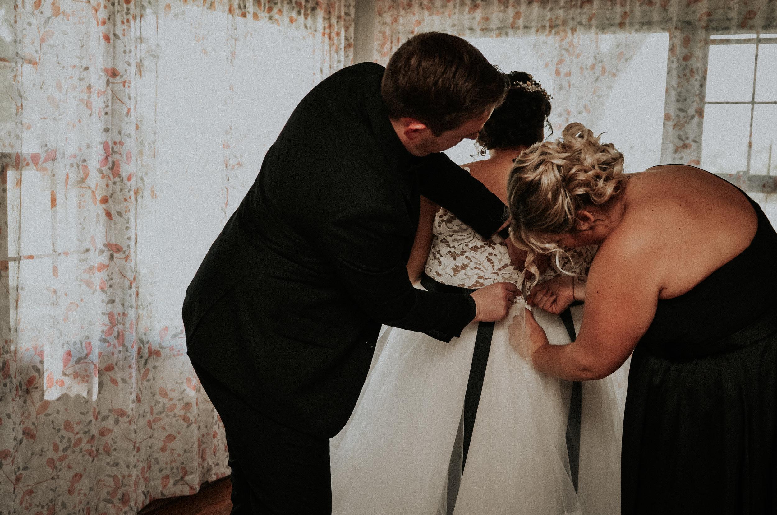 BridesbyYoung-RealWedding-PlusSizeBridal-BillyCourtney-JurassicParkTheme-4.jpg