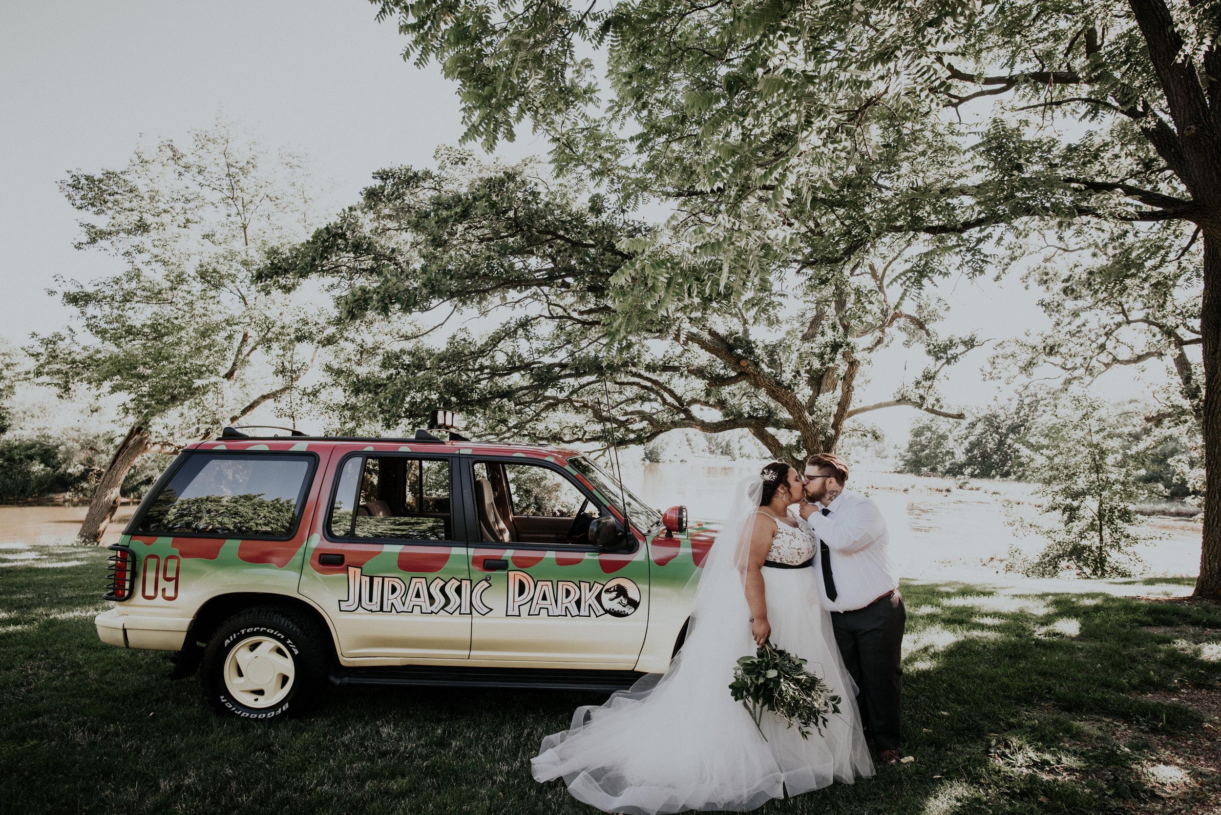BridesbyYoung-RealWedding-PlusSizeBridal-BillyCourtney-JurassicParkTheme-39.jpg