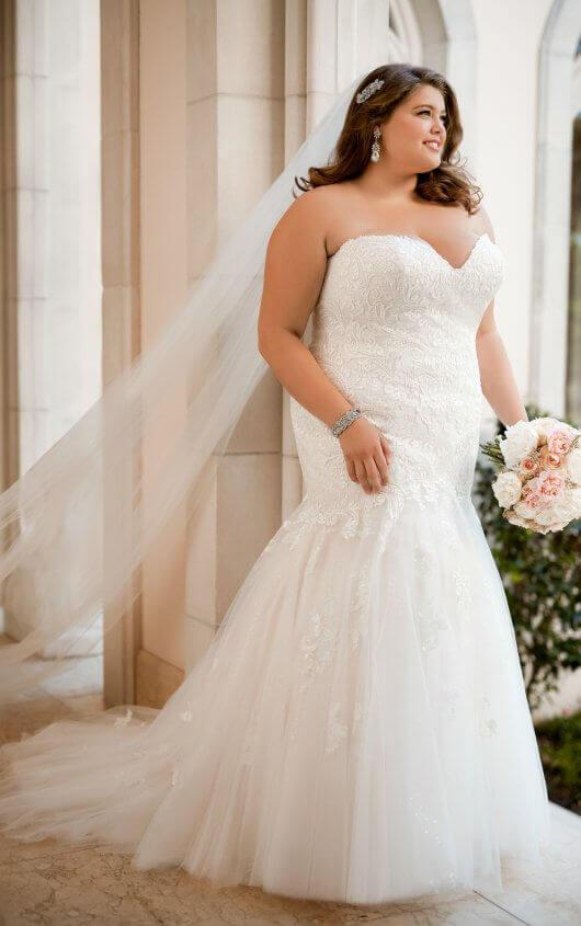 BridesbyYoung-IndianapolisIndianaSchaumburgChicagoIllinoisParamusNewJerseyNewYorkPennsylvania-CurvyPlusSizeBridalStore-StellaYork-6470.jpg