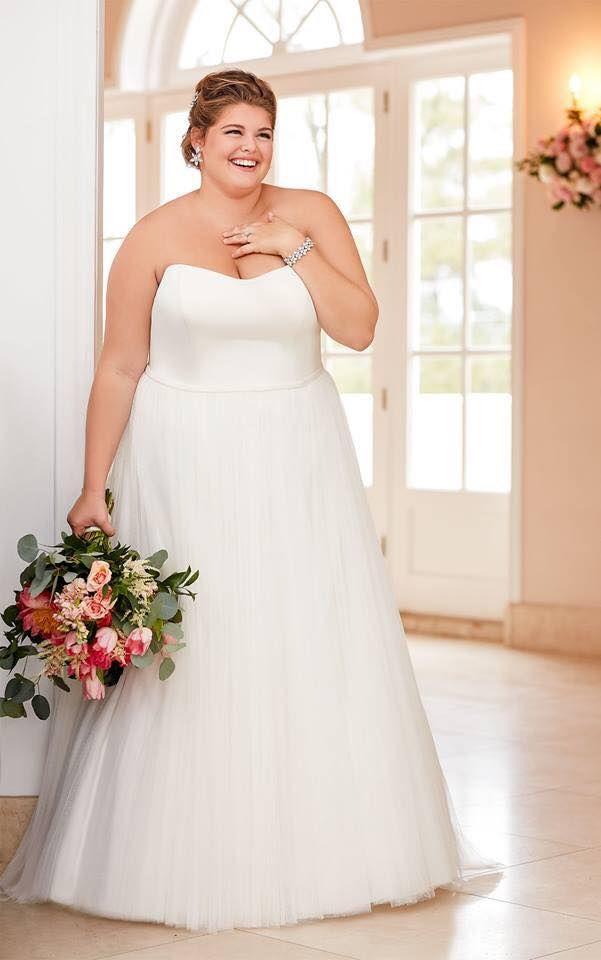 BridesbyYoung-IndianapolisIndianaSchaumburgChicagoIllinoisParamusNewJerseyNewYorkPennsylvania-CurvyPlusSizeBridalStore-StellaYork-6594.jpg