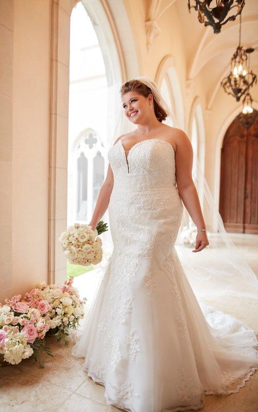 BridesbyYoung-IndianapolisIndianaSchaumburgChicagoIllinoisParamusNewJerseyNewYorkPennsylvania-CurvyPlusSizeBridalStore-StellaYork-6716.jpg