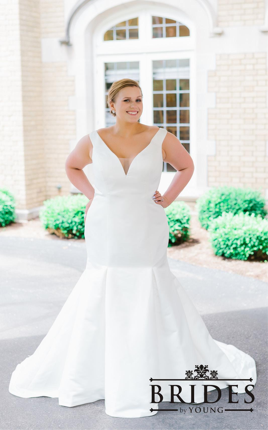 BridesbyYoung-2020Collection-PlusSizeBridalBoutique-CurvyWeddingDressInspiration-190.jpg