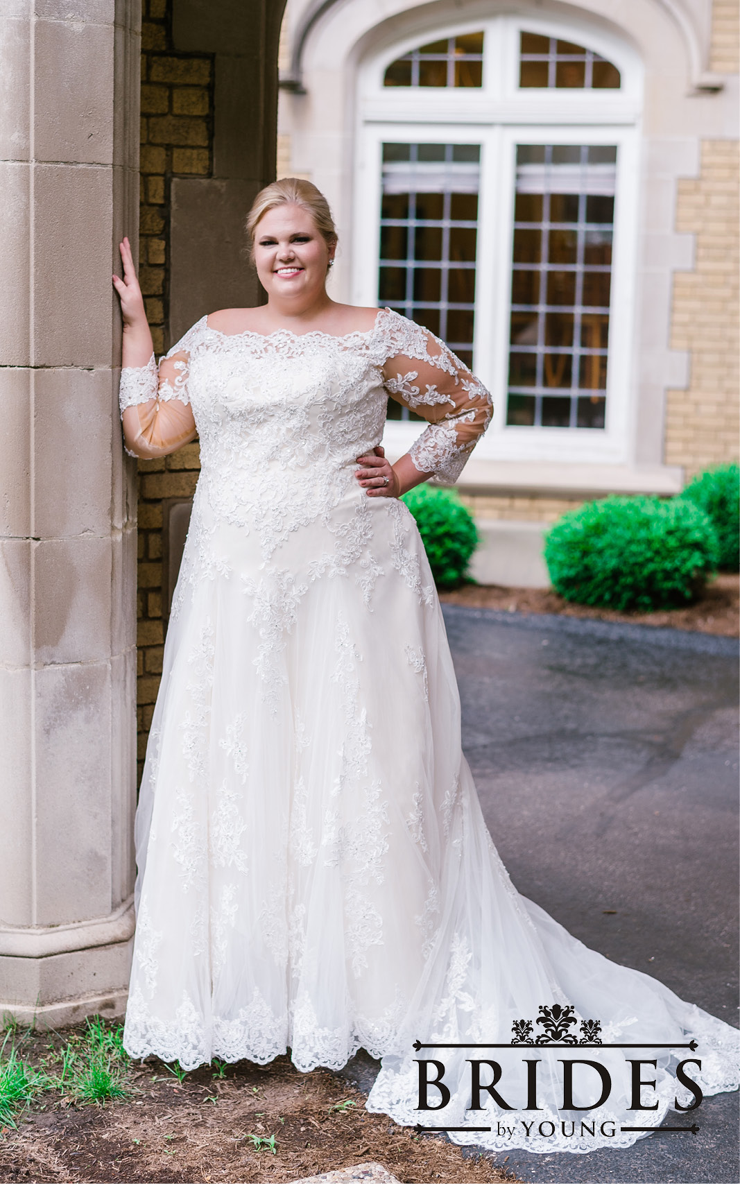 BridesbyYoung-2020Collection-PlusSizeBridalBoutique-CurvyWeddingDressInspiration-153.jpg