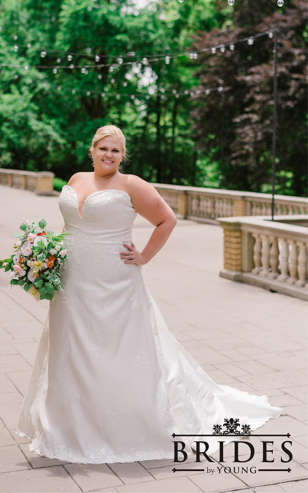 BridesbyYoung-2020Collection-PlusSizeBridalBoutique-CurvyWeddingDressInspiration-204.jpg