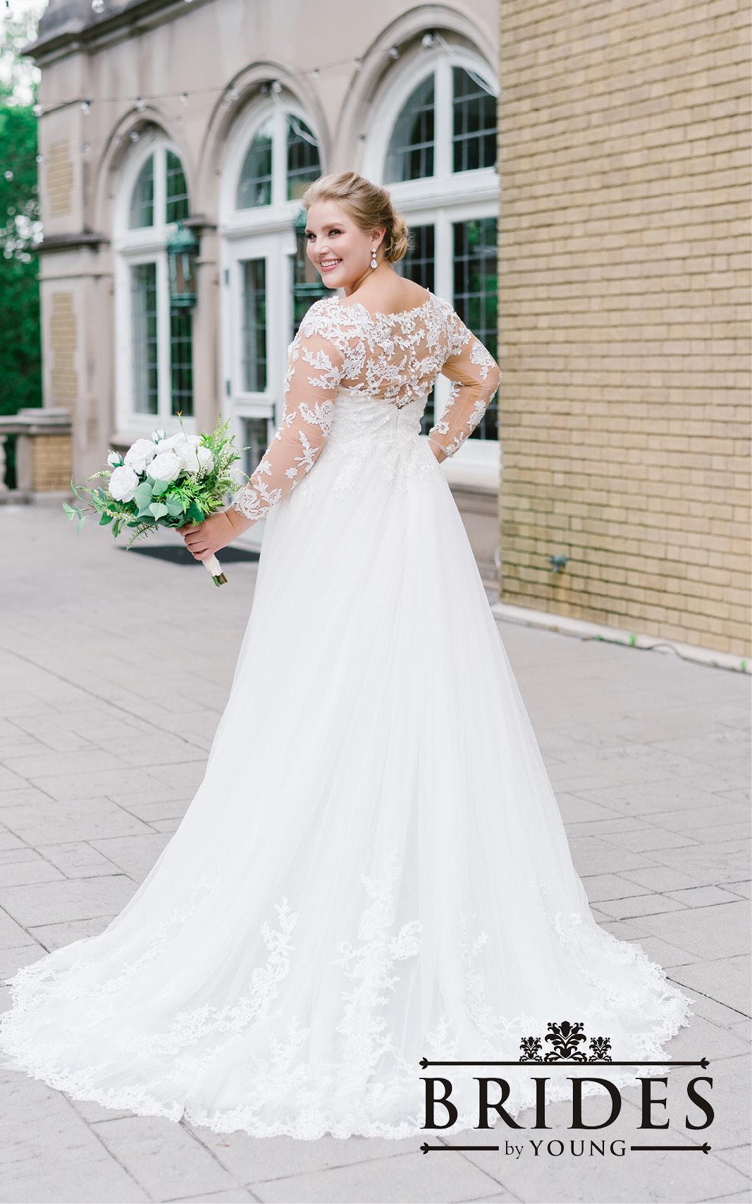 BridesbyYoung-2020Collection-PlusSizeBridalBoutique-CurvyWeddingDressInspiration-125.jpg