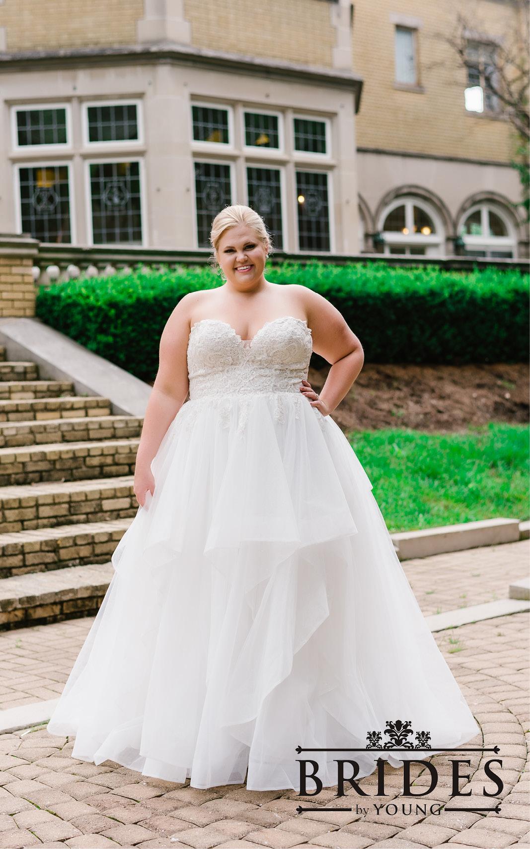 BridesbyYoung-2020Collection-PlusSizeBridalBoutique-CurvyWeddingDressInspiration-105.jpg