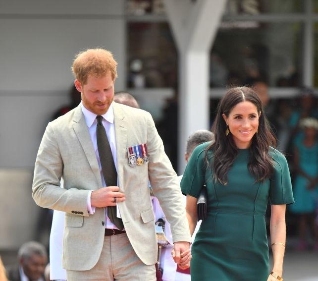 In Fiji she also wore Safiyaa London, dress 1095 pounds