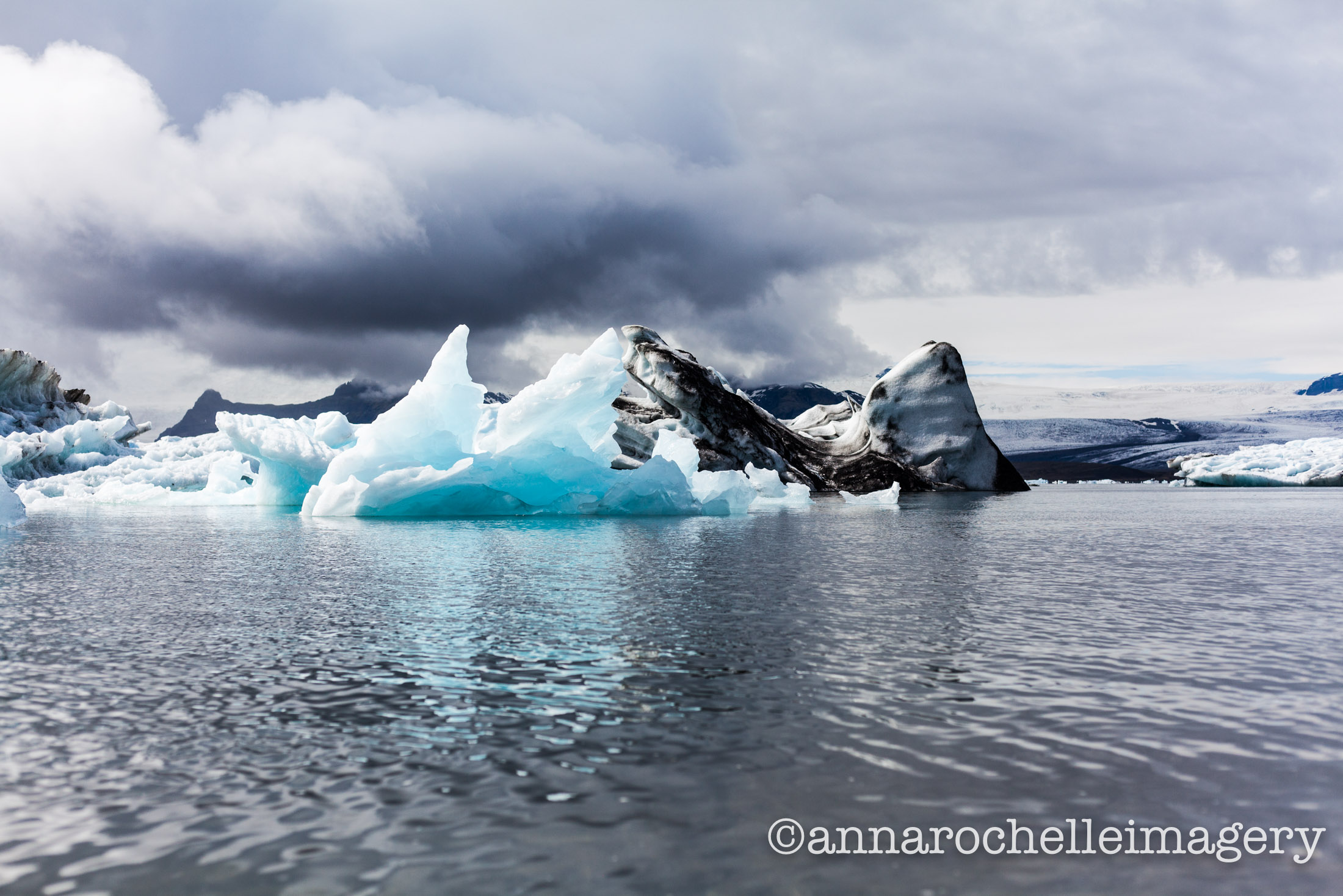 dark-light-ice-lagoon-iceland-iceberg-anna-rochelle-imagery-gorgeous.jpg