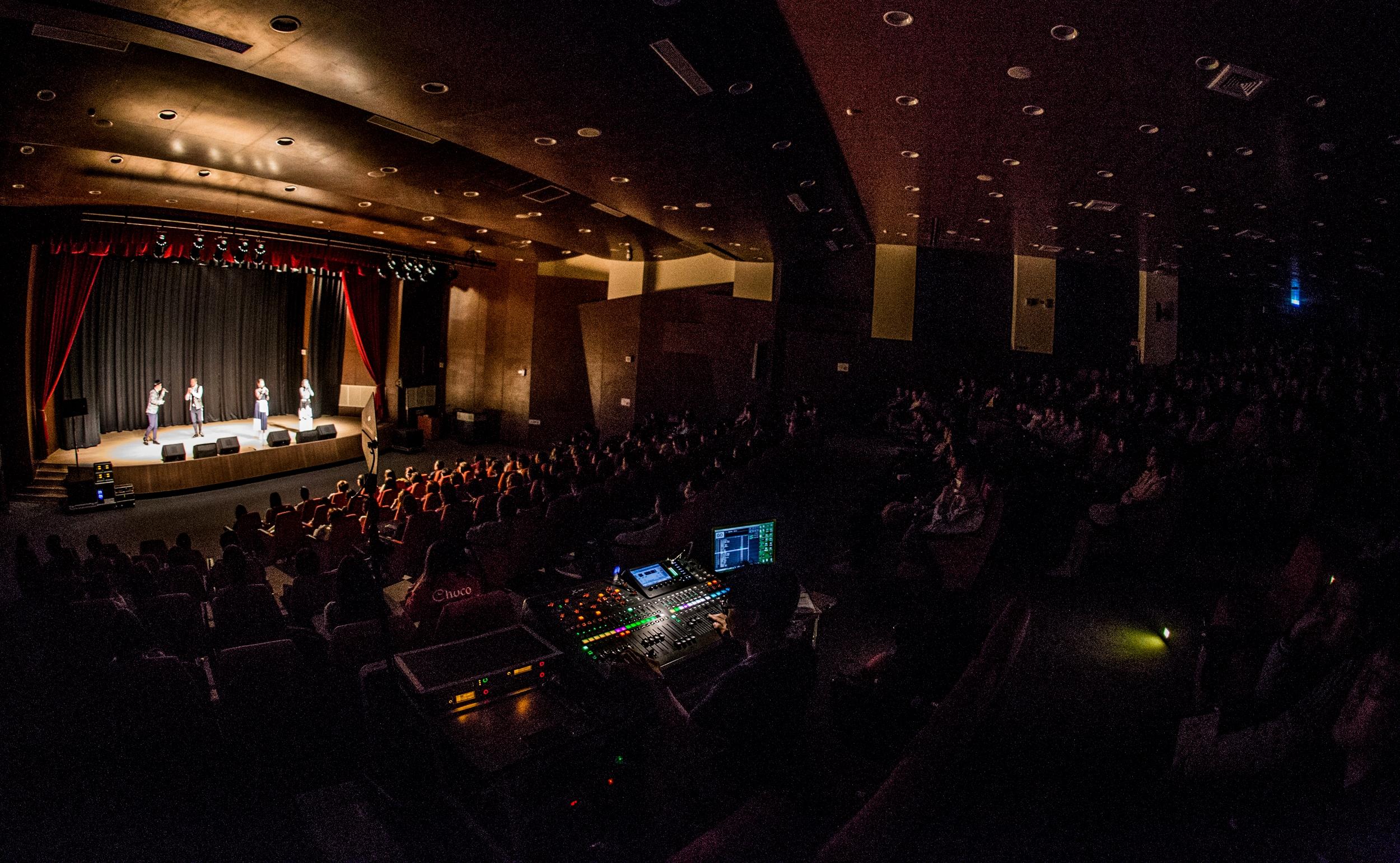 金卡世界巡回演出CHVOCALS WORLD TOUR - Passing Contemporary A Cappella Music to the world面向全世界传递现代阿卡贝拉