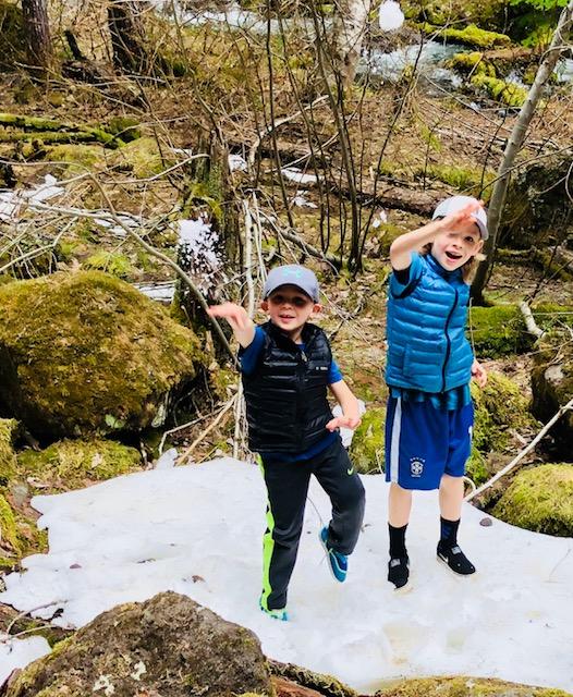 boys snow.jpg