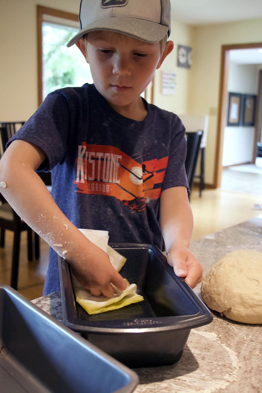 Breadoilpan.jpg