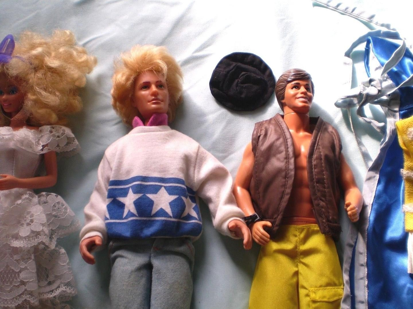 vintage-barbie-ken-gi-joe-doll-lot_1_e3cab1413316e4ce9f7123d4154aa799.jpg