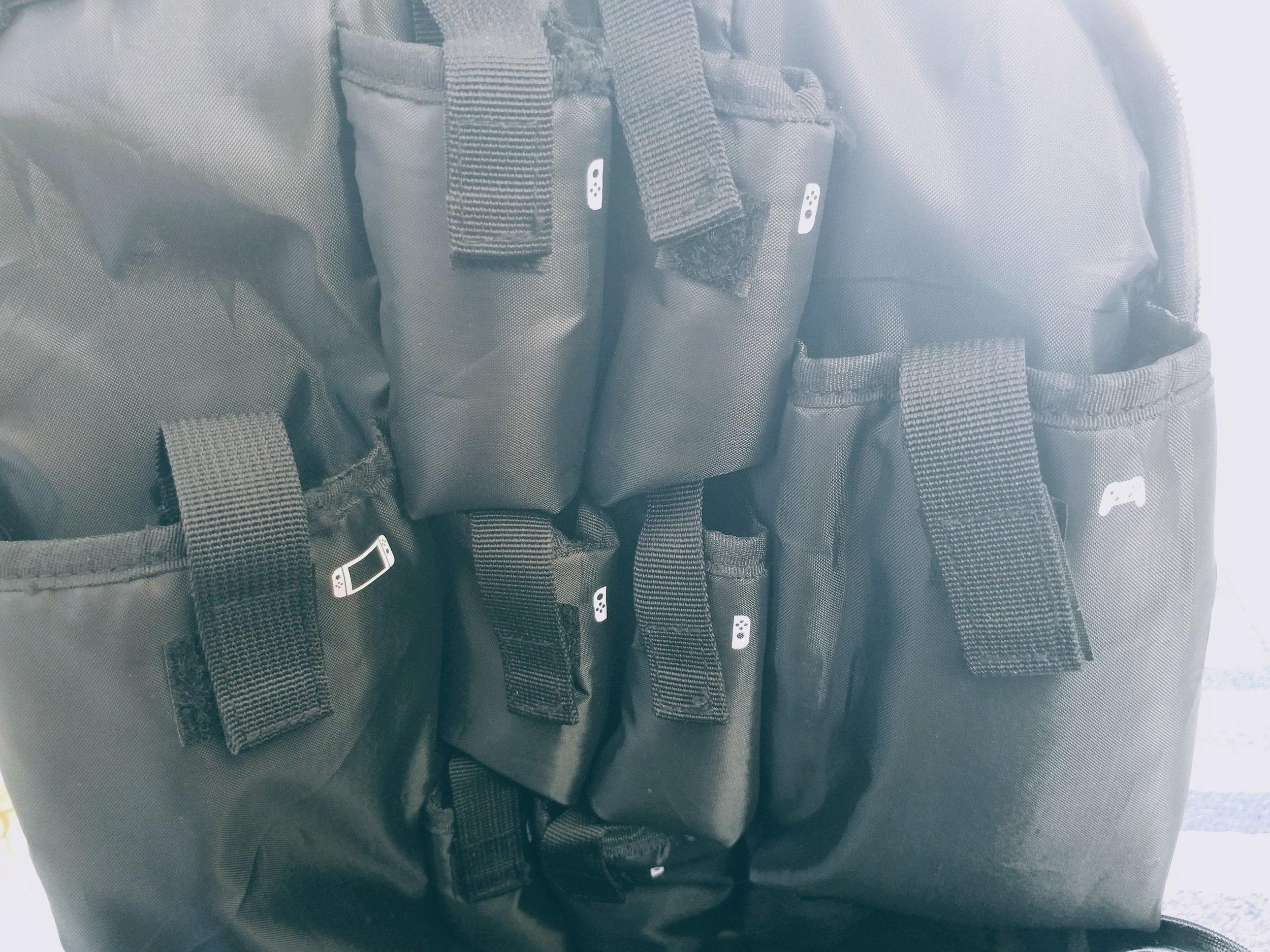 Nintendo_Switch_Backpack_pockets.jpg