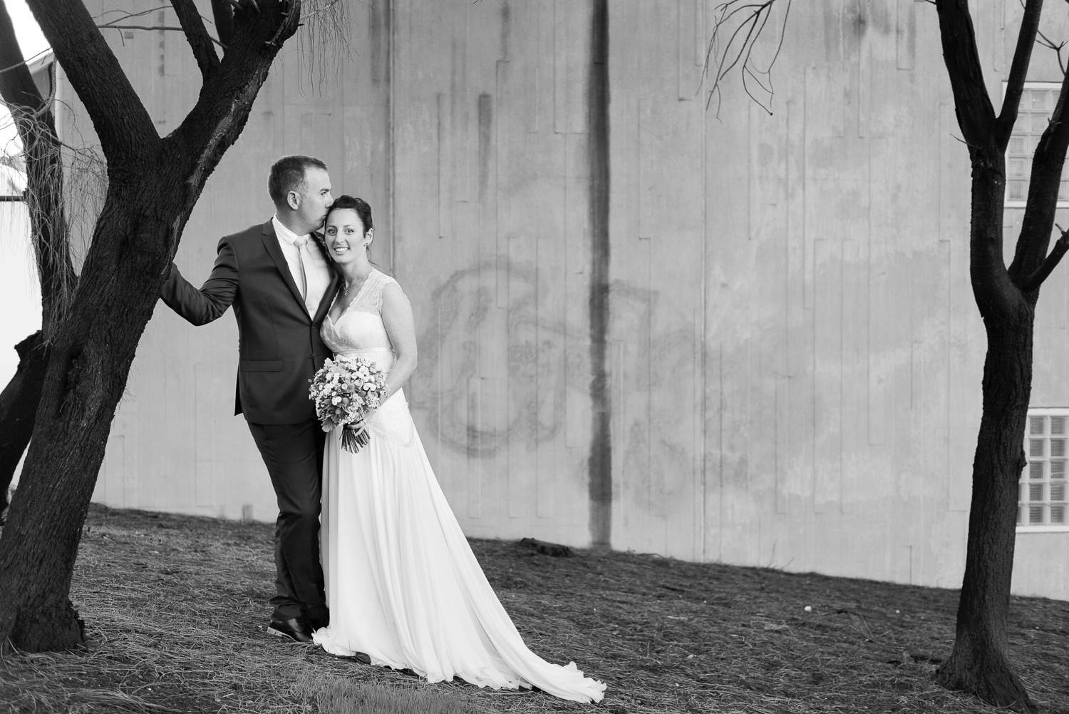 Melbourne-wedding-at-the-sub-station-an-old-power-station-Rhapsody-Road-Photography-Emma-Lambe-7.jpg