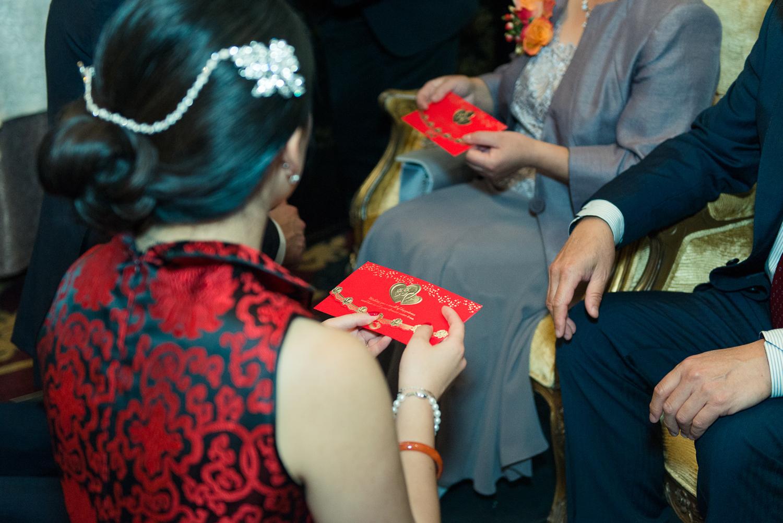 Chinese-Wedding-in-london-and-countryside-sonia-Xia-Chen-Hon-©-Rhapsody-Road-Photography-Emma-Lambe1-49.jpg