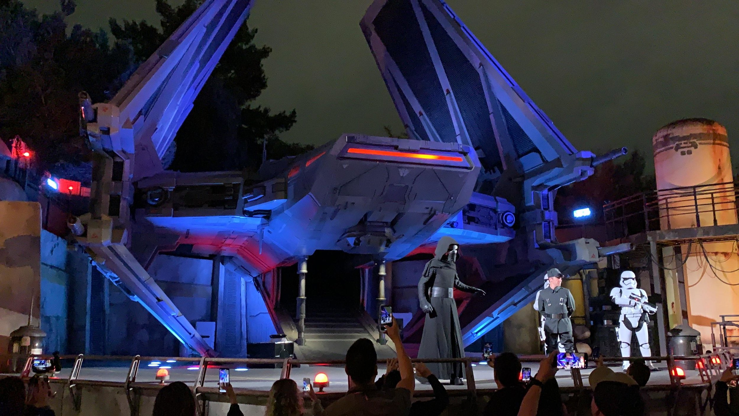 Even Galaxy's Edge has some quick shows to watch