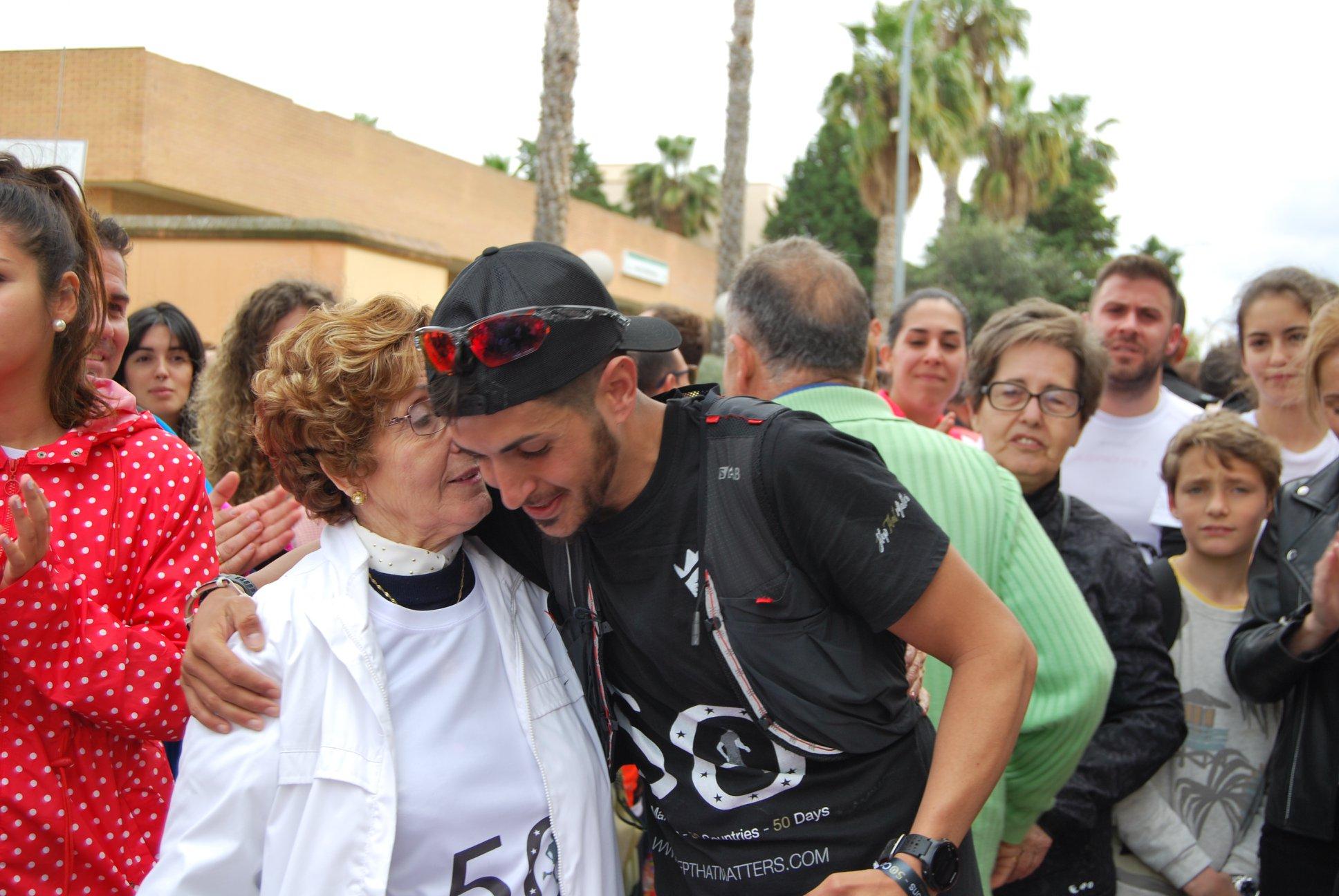 50 días, 50 países, 50 maratones - El extremeño Rubén Muñoz culminó el pasado sábado una «locura» para la que se ha estado preparando durante un año. «No era un reto físico, sino mental. El deporte se puede extrapolar a la vida», confiesa tras atravesar momentos muy duros