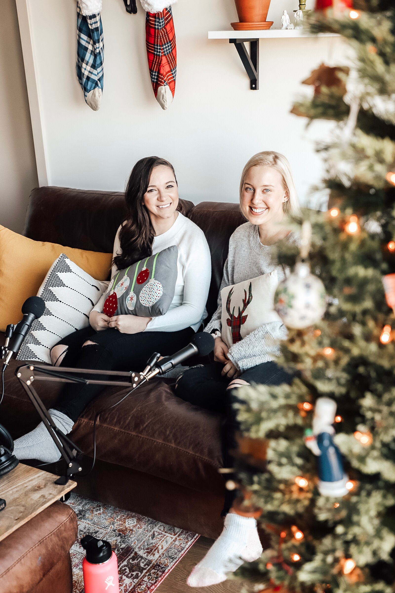 An Intential Episode Break // Christmas Week 2019 - Hi Loves! You may have noticed that we didn't post an episode today Maybe you didn't, because maybe you're doing the same we are. We decided to take an intentional episode break this week, Christmas 2019. Beck is on the trip of a lifetime with her husband and meeting up with family, and Meg is cozy in Pennsylvania, spending time with her family (and probably frantically wrapping some last minute gifts).We really wanted to practice what we preach here - which is why we're intentionally not uploading a post today, December 24th. You can expect an important SOLO episode to go live next Monday, December 31st. In the meantime, check out our 33 (OMG! this is crazy!) prior podcasts available on Apple and Stitcher.Let us know what you're up to - whether you're taking a break for the holidays, or your break and celebration has already happened or is still to come. We'd love to chat in our Facebook group and on Instagram.Our Facebook group is a safe space for anyone who joins, so don't forget to check us out there. Just search *SUPER EXLUSIVE* Detox & Chill Podcast Group. As always, don't forget to follow along with us on Instagram (@detoxandchillpodcast) and join our Facebook group. We love you!HAPPY HOLIDAYS - we love you so much and are beyond grateful <3,Meg & Beck