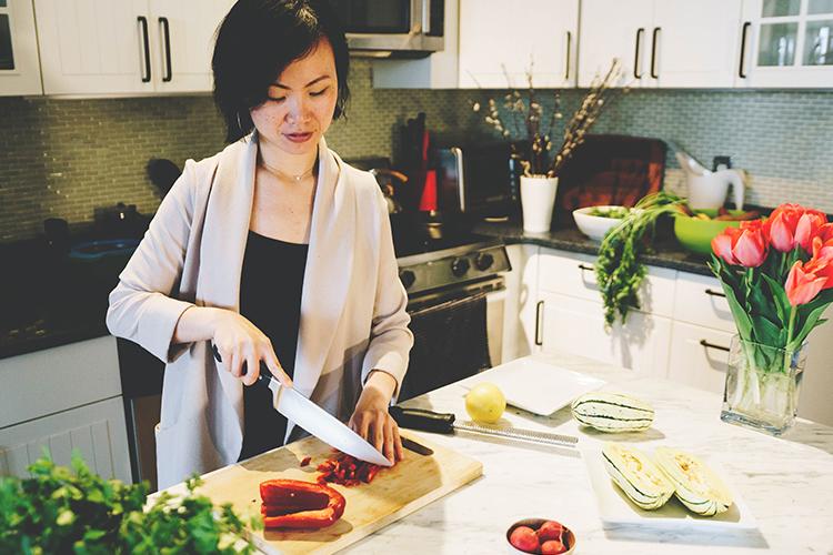 cat-luu-health-coach-services-gallery-dinner-prep-kitchen-counter-750x500.jpg