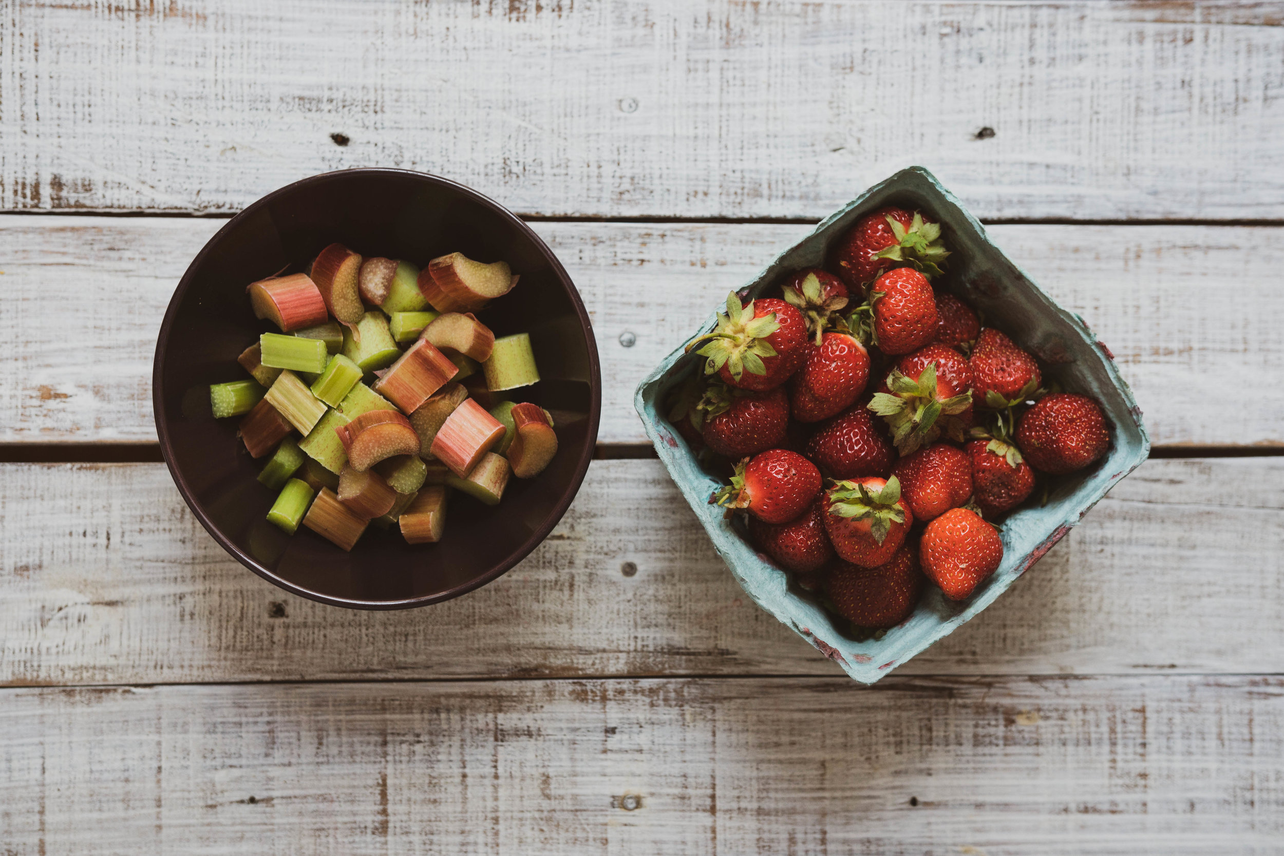 04-strawberry-rhubarb-crumble-2.jpg