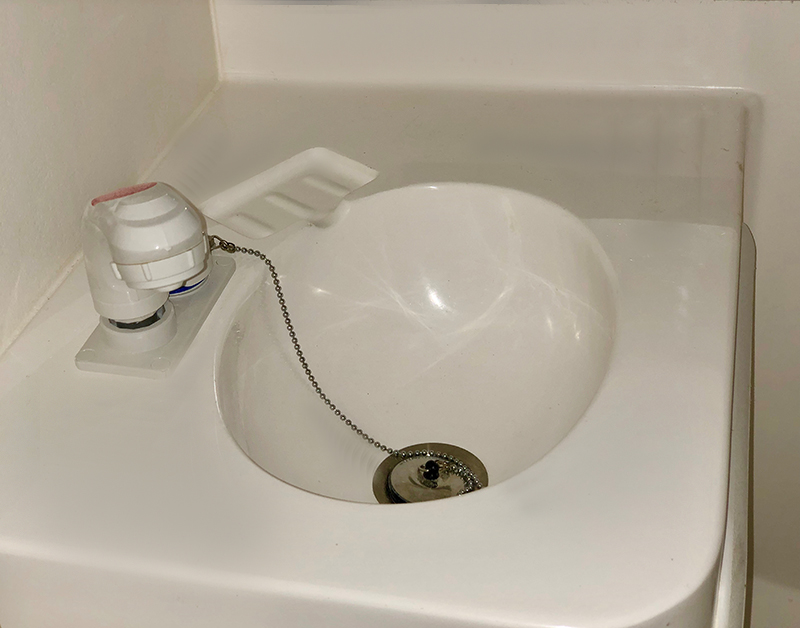 SINK PULL OUT SHOWER.jpg