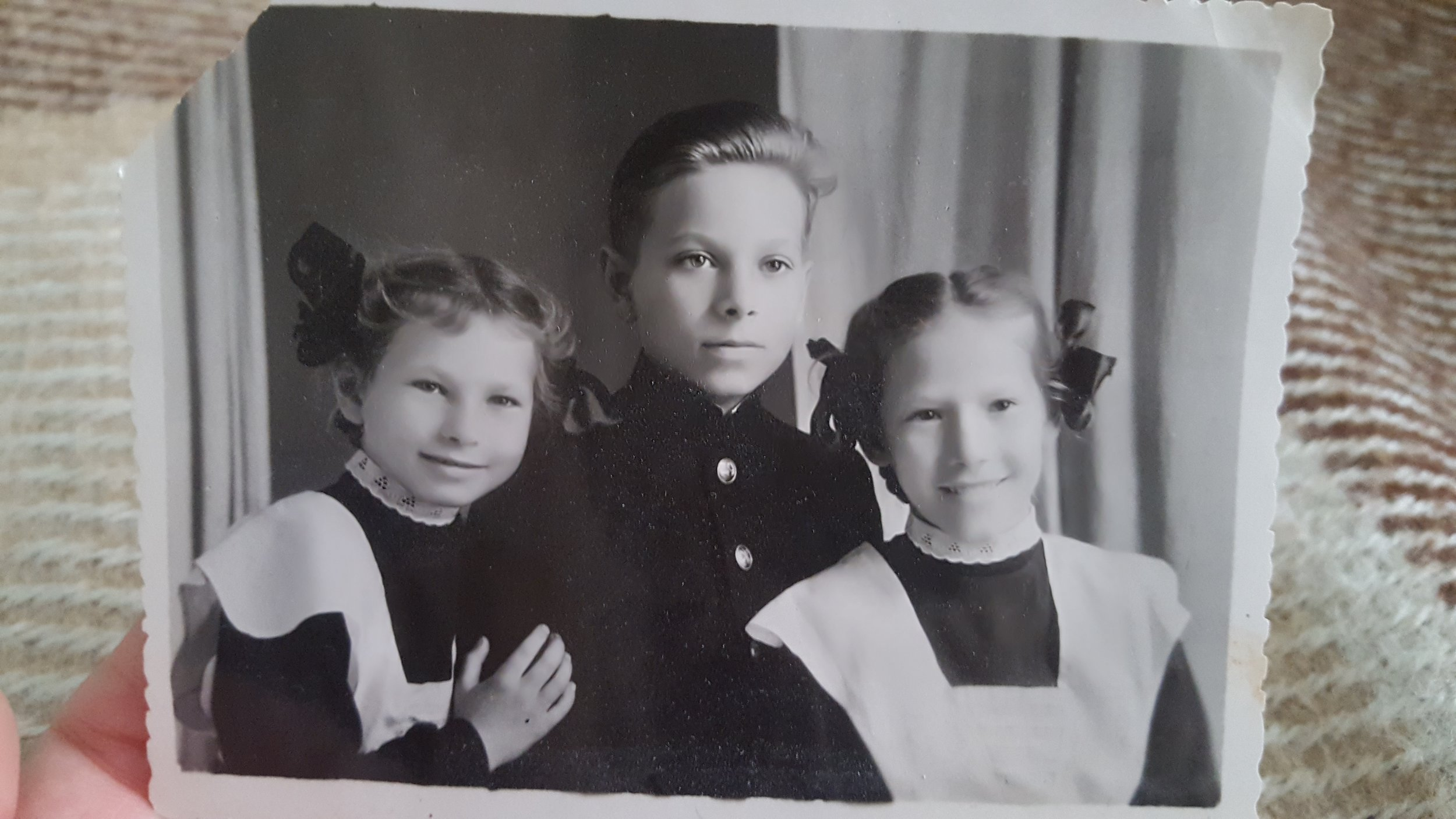Rimma, Alek (Arnold), and Elya (Elvira) - the three siblings. Arnold is my mom's dad, Elya became my Babushka who helped us move to America, and Rimma on the left is who welcomed us to her home in Kiev. The apartment originally belonged to their parents when they first moved to Kiev from Chita, Siberia.