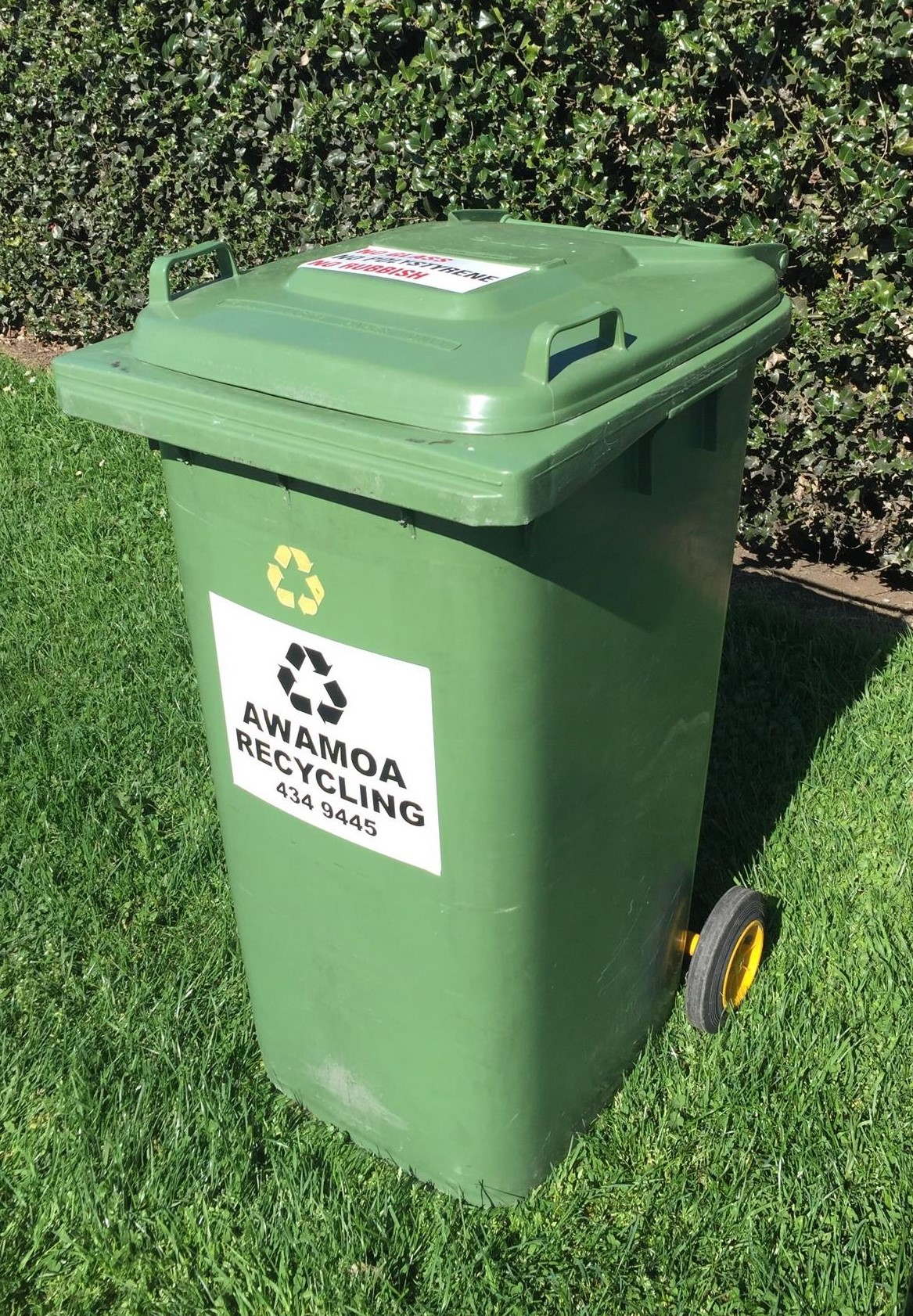 RECYCLING - Large recycle (240 litre) or Small recycle (120 litre)For all clean recyclables except glass and polystyrene.Accepted: tins, cans, plastics, newspapers, magazines, cardboard, paper.Our recycle service is on an on-call basis only in Oamaru, Weston, Kakanui, Maheno, Enfield and Windsor.Recycling is collected on a Wednesday in Oamaru and Weston.Last Friday of the month in Kakanui and Maheno..Last Friday of the month Enfield and Windsor.Please ensure you call us before 5pm Tuesday to request your collection.