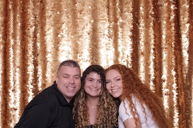Share your smile with the world! ⠀⠀⠀⠀⠀⠀⠀⠀⠀ ⠀⠀⠀⠀⠀⠀⠀⠀⠀ ⠀⠀⠀⠀⠀⠀⠀⠀⠀ ⠀⠀⠀⠀⠀⠀⠀⠀⠀ #memoriesmadepb #theknot #weddingwire #houstonphotobooth #houstonweddings #houstonbrides #htxwedding #htxevents #atxweddings #bride #happilyeverafter #risingtidesociety #weddingsinhouston #bridesofhouston #houstonevents #austinevents #smallbusinessowner #htx #htxphotobooth #eventsinhouston #houstoneventplanning #houstonpartyplanner #likeforlike #southernbride #houstonblogger #htxbossbabes #texasweddings #photoboothfun #stylemepretty #texasbride