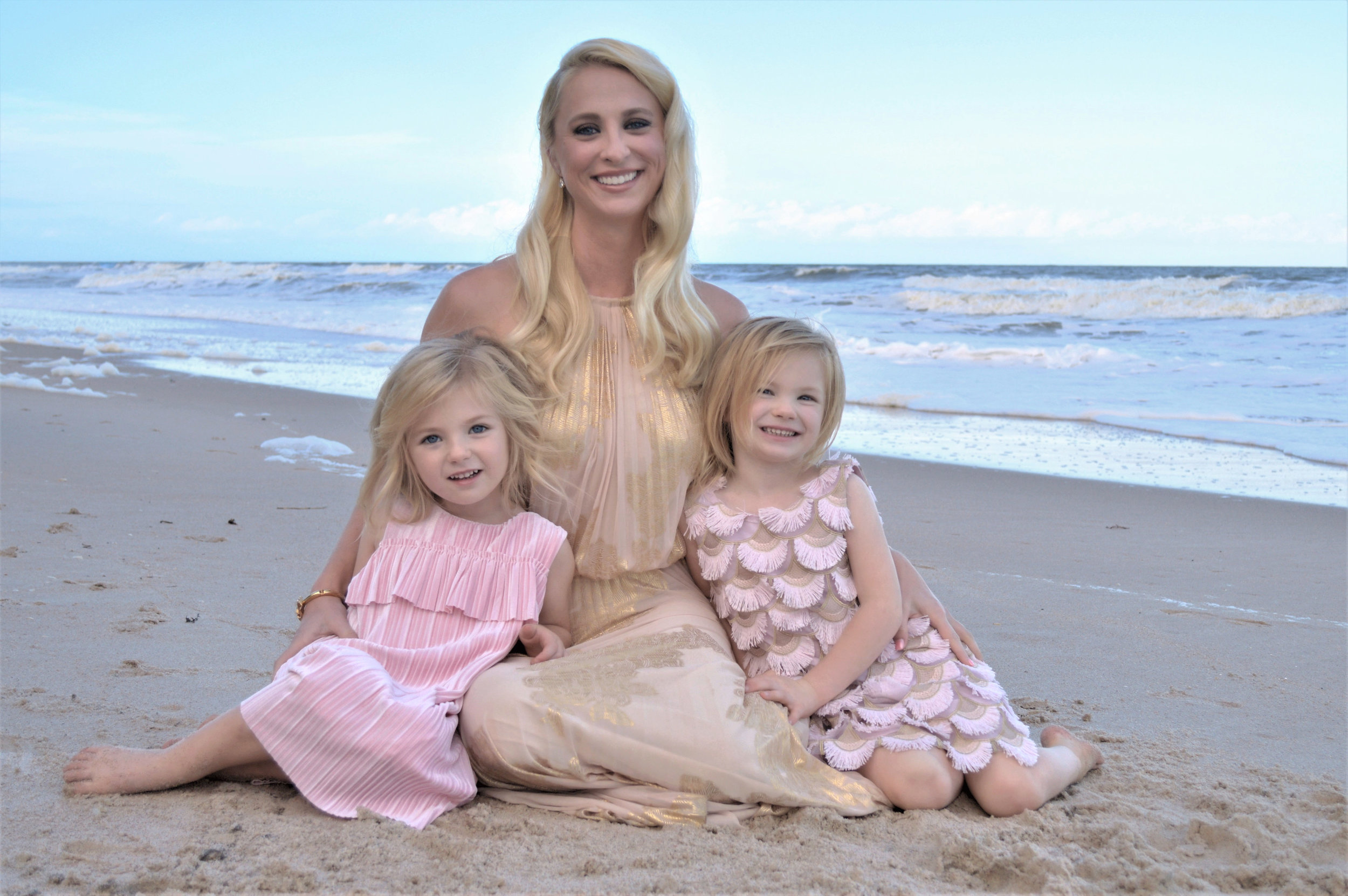 Sarah Lutkus - TreasurerSarah is amazing in the water and is probably half mermaid - just like Emma!