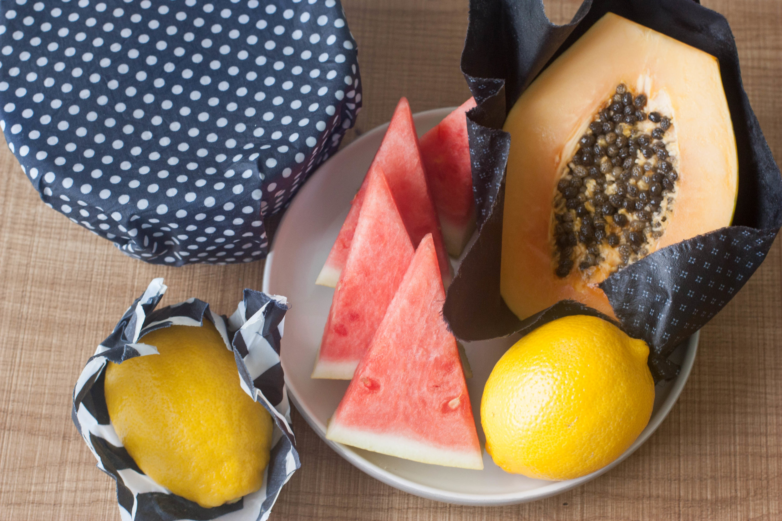 DIY-Resuable-Beeswax-Foodwraps.jpg