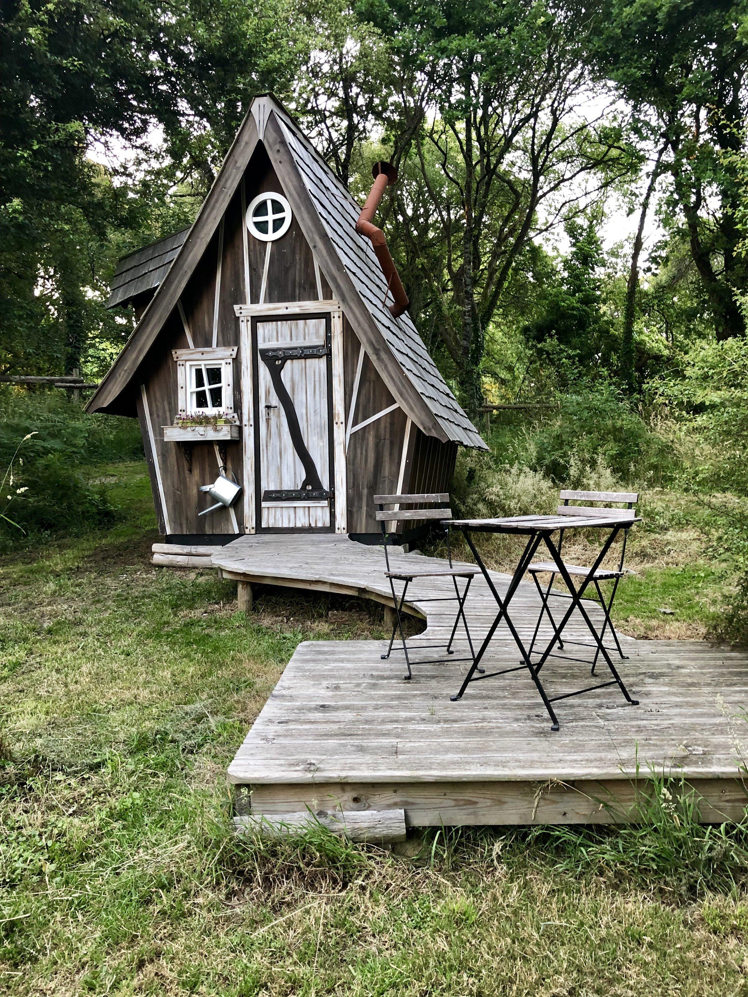 Dihan Cabin