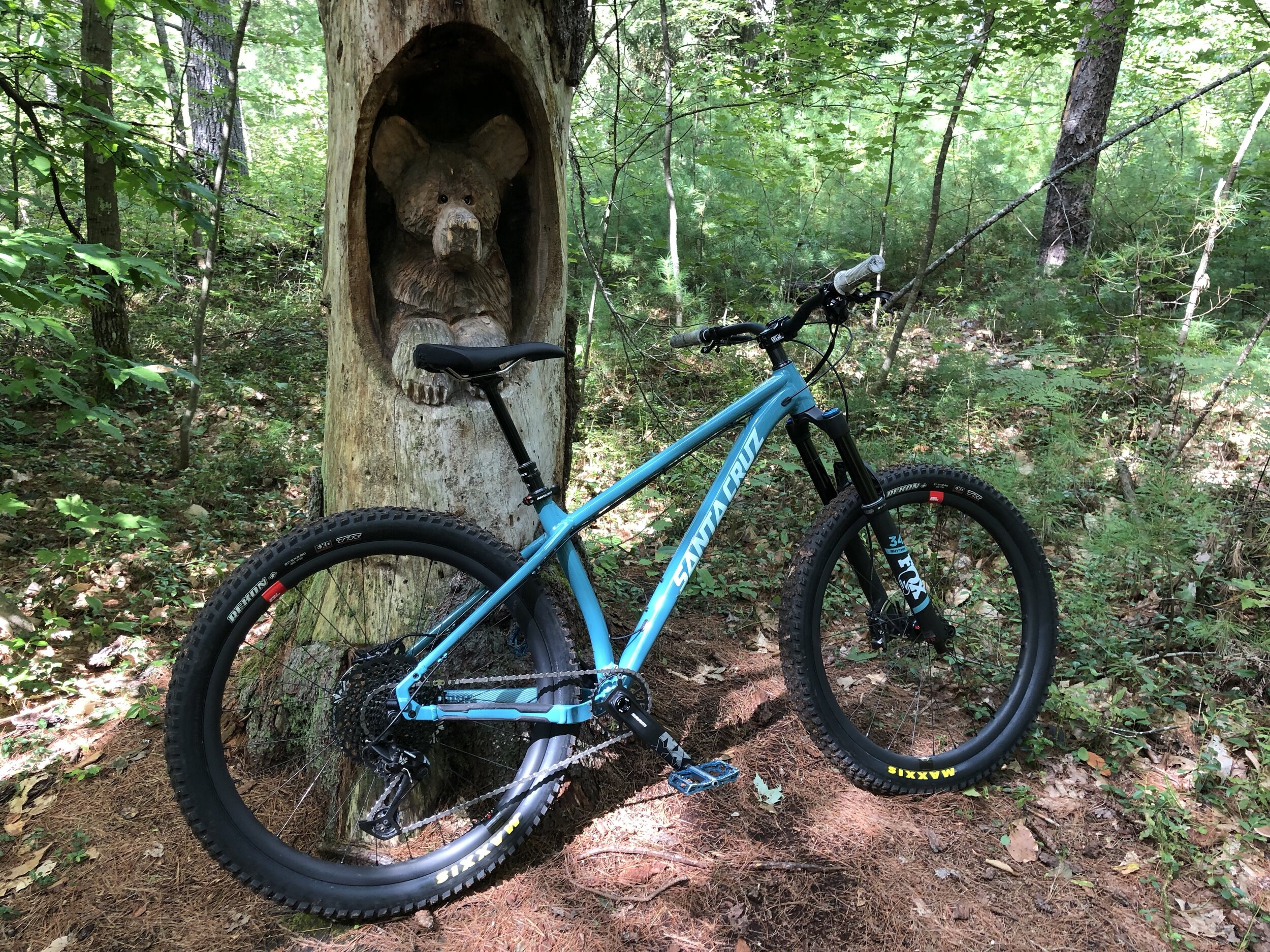 Enduro/Trail mode with 27.5 x 2.8's and long fork.