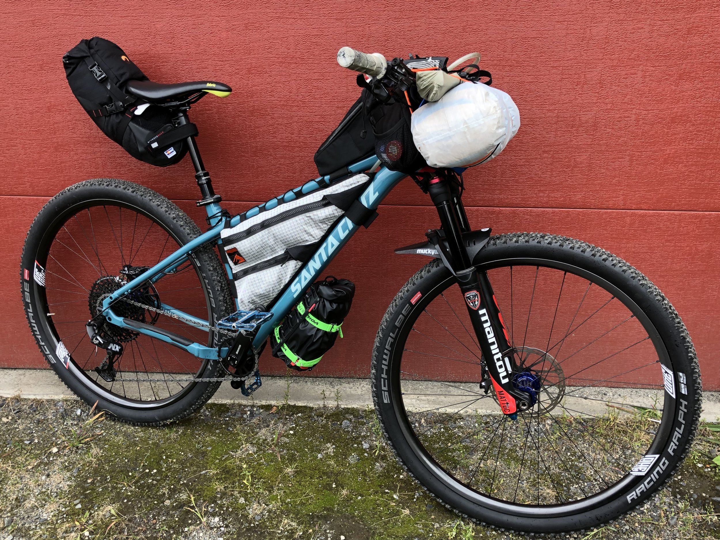 Same bike in Bikepacking mode with 29 x 2.25's and short fork.