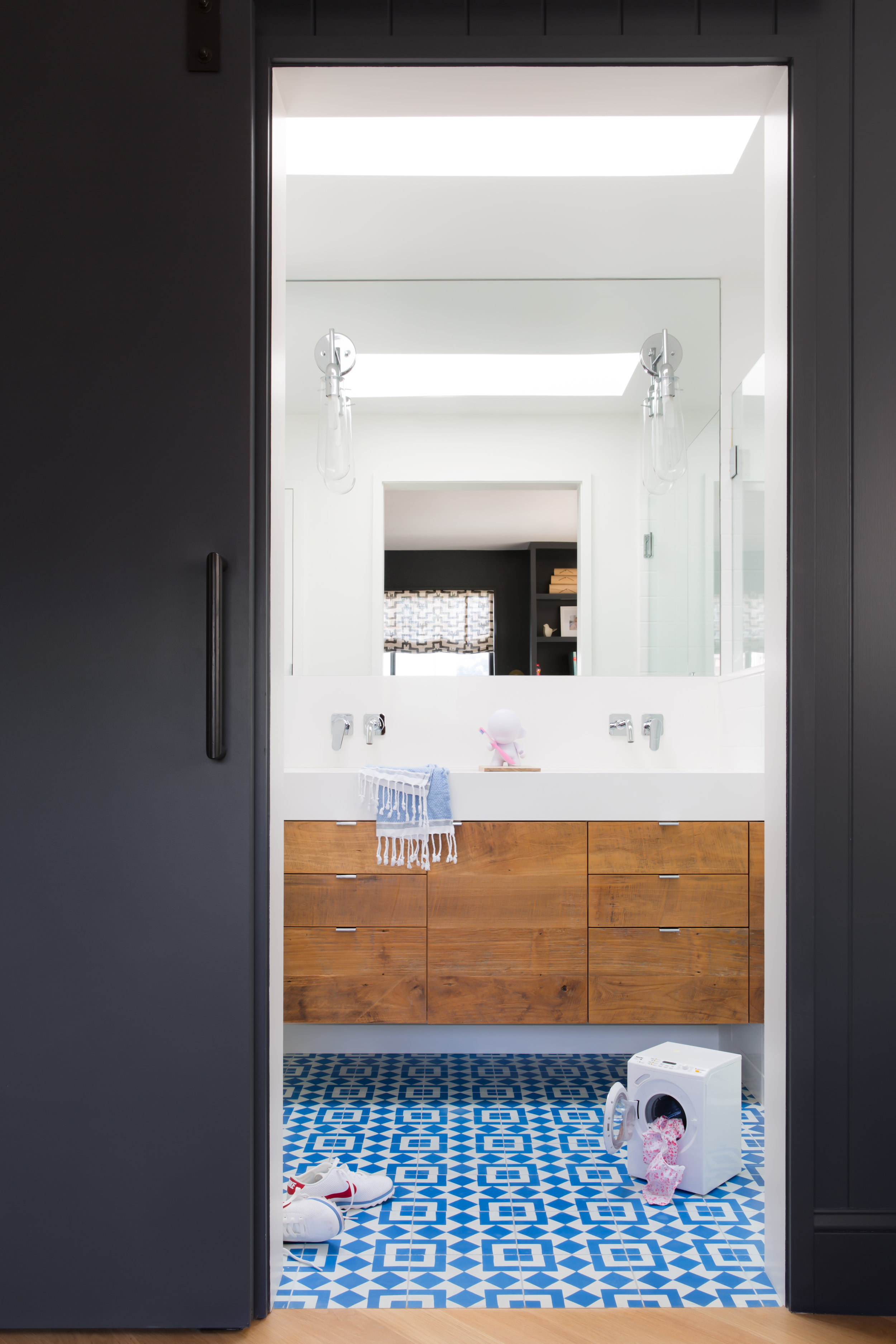 13 RBD Noe Valley Parisian Atelier - Kids-Guest Bathroom.jpg