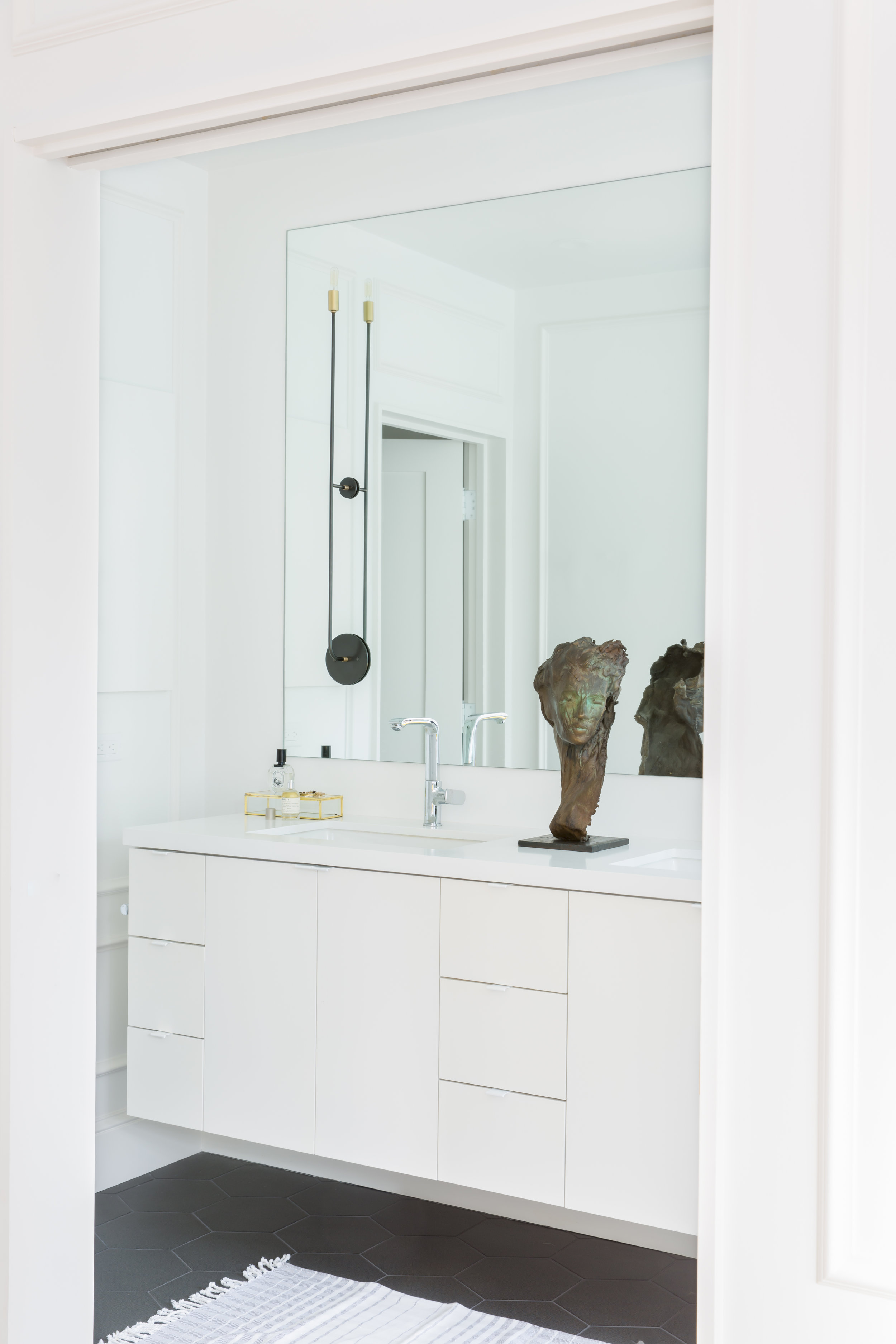 16 RBD Noe Valley Parisian Atelier - Master Bathroom.jpg