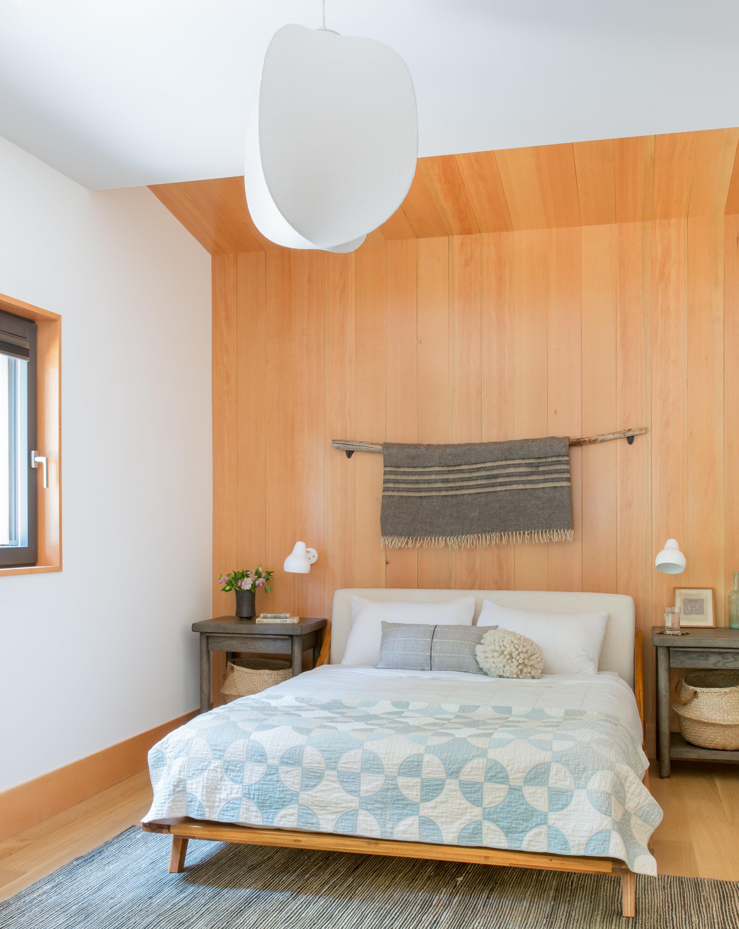 12_RBD_WOODSY TAHOE CABIN - MASTER BEDROOM.jpg