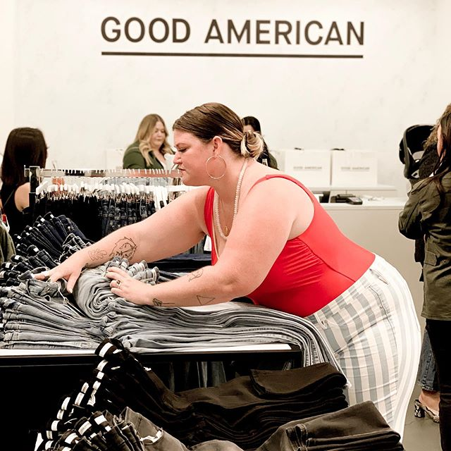 Wowwwwwwww. Tonight I had the insane opportunity to gush with @goodamerican ceo + founder @emmagrede about the life changing fit of her denim and the insane amount of time and artwork that go into each pair. I can't tell you how AMAZING it felt to shop IN STORE, with women of all sizes around me. EMMA IS GONNA CHANGE THE FUCKING WORLD... excited to be a witness to the ride. Thank you, GOOD AMERICAN. #goodamerican #goodsquad #bodypositive