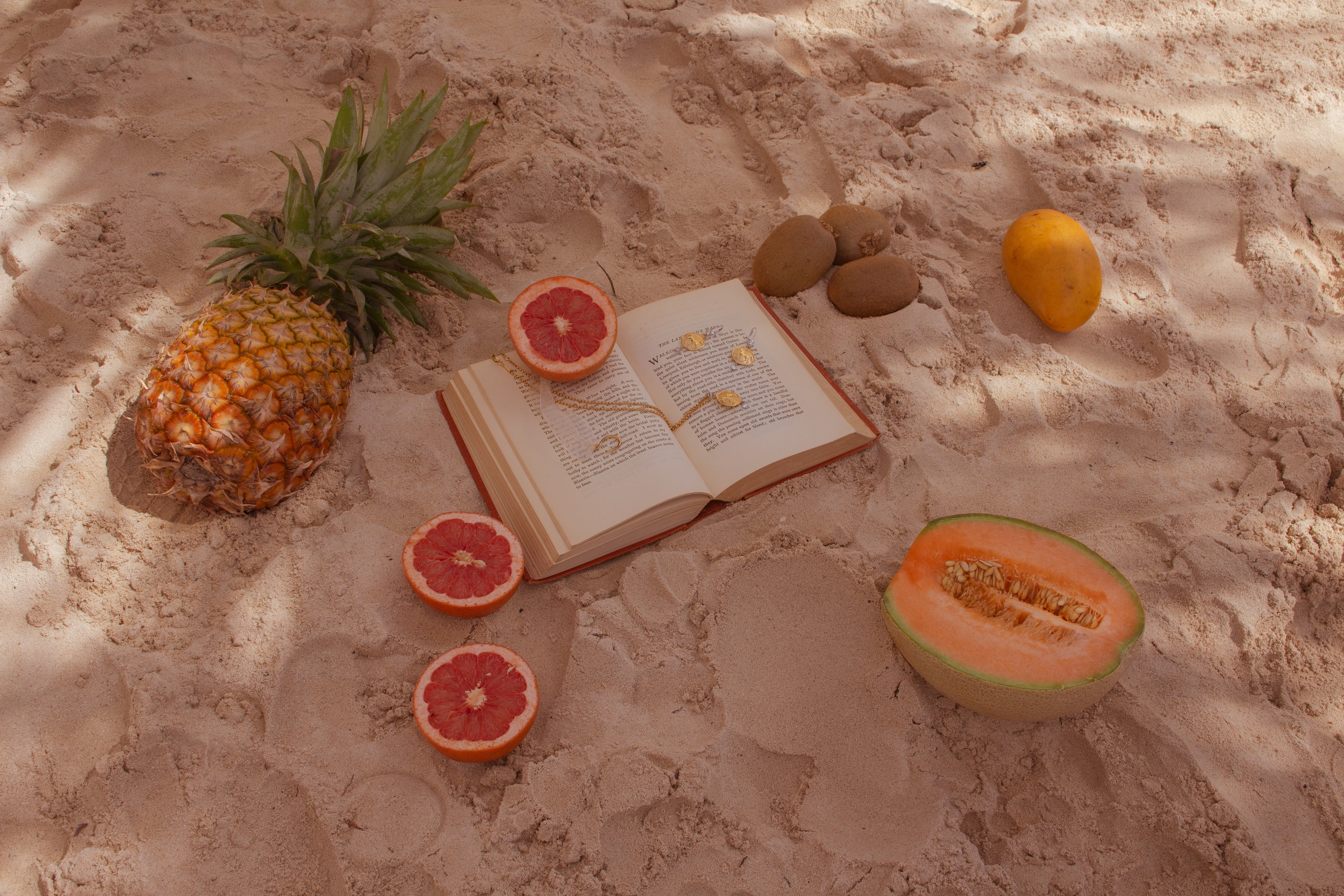 Brand Photography | Beautiful Horse Jewelry | Fruit On The Beach 4