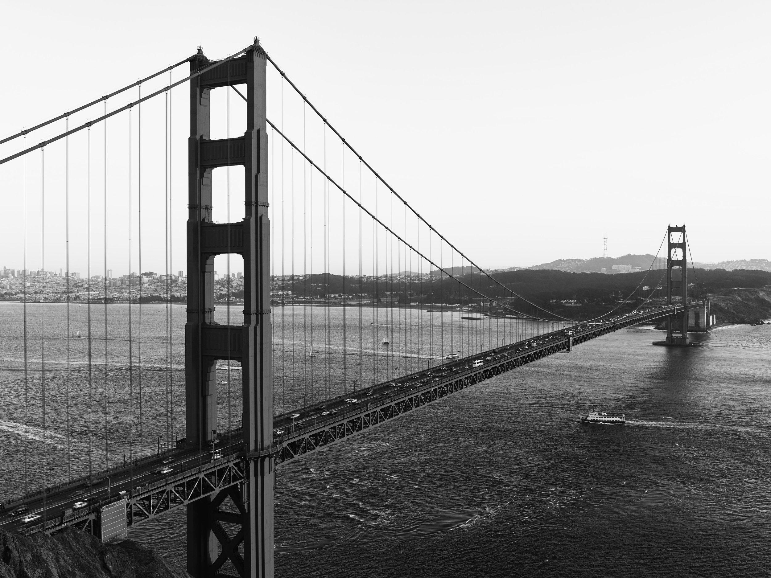 SF_GoldenGateBridge_Panorama1 005172_bw.jpg