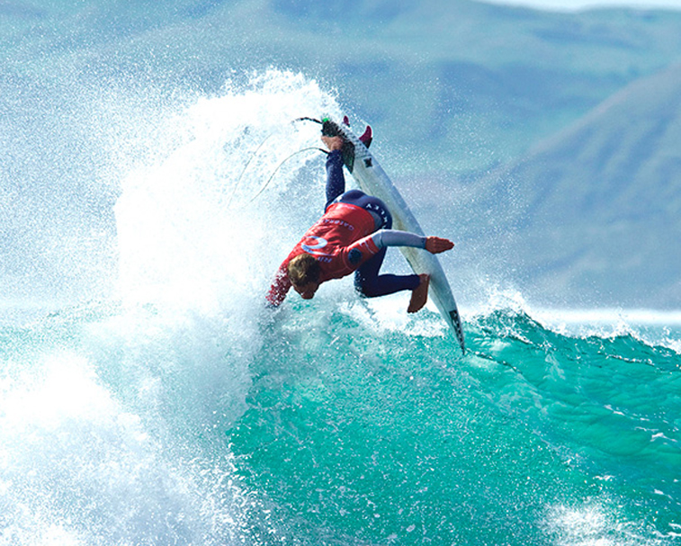 MANU BAY   Watch some of the NZ best surfers at this world famous left hand break.