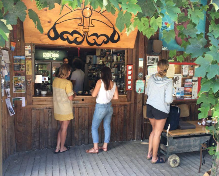 RAGLAN ROAST   9 Bow St, Raglan   Brilliant locally roasted coffee fix – including Te Uku Roast office for a roadie coffee on the way back to Auckland.