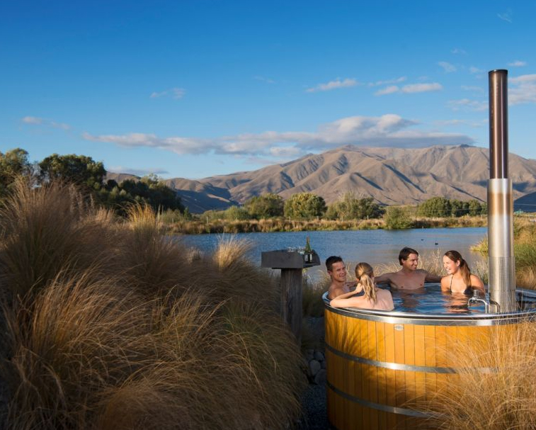 OMARAMA HOT TUBS   29 Omarama Ave, Main Omarama Twizel Highway, Omarama   In summer or winter by day or night, a private tub is cleaned and re-filled with fresh mountain water just for you.