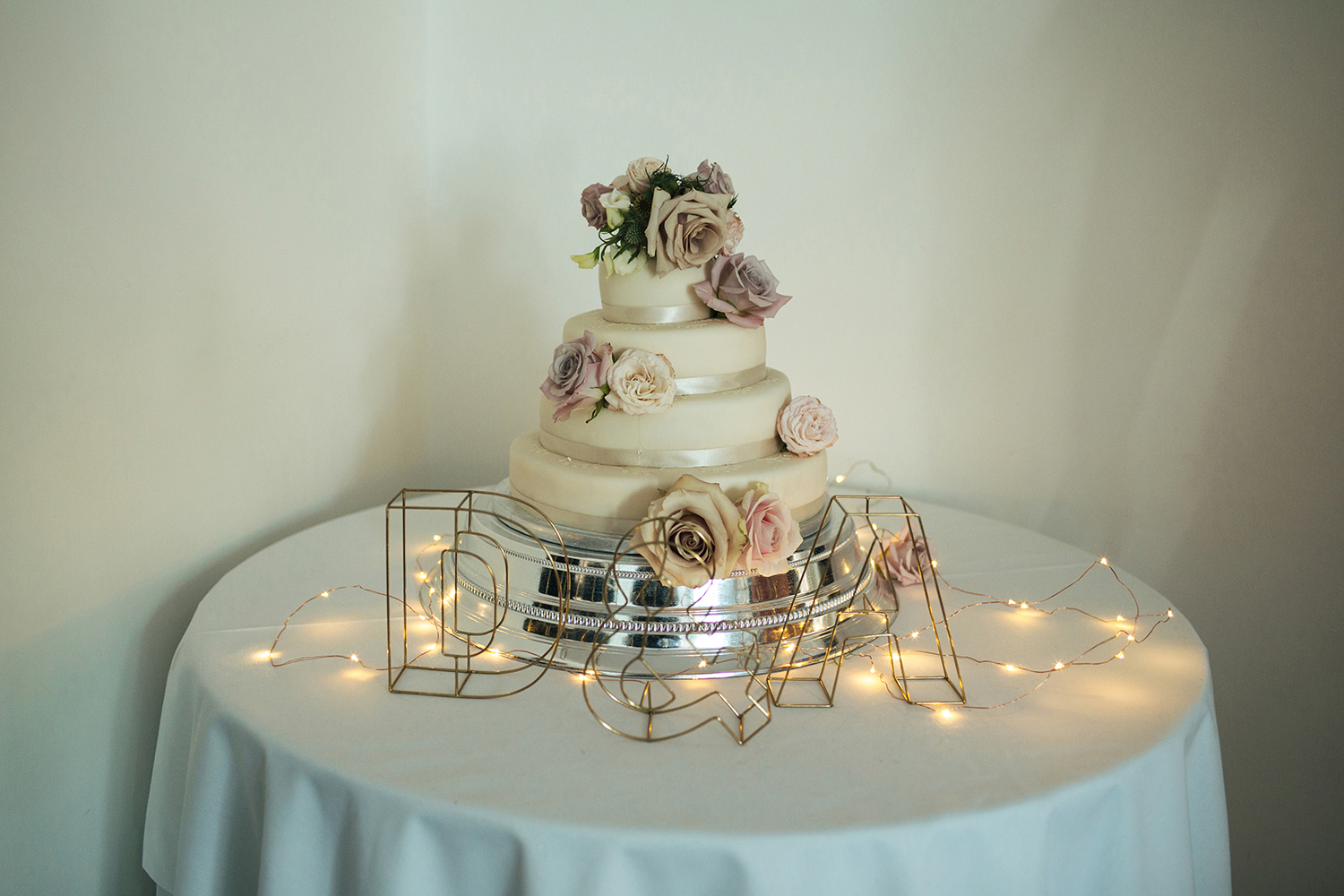 Wedding cake at Manor Hill House