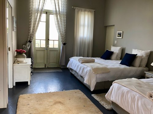 SHARED ROOM - DOUBLE BEDS W/ PRIVATE BATH  Features: Ensuite Bathroom, 3 Double Beds