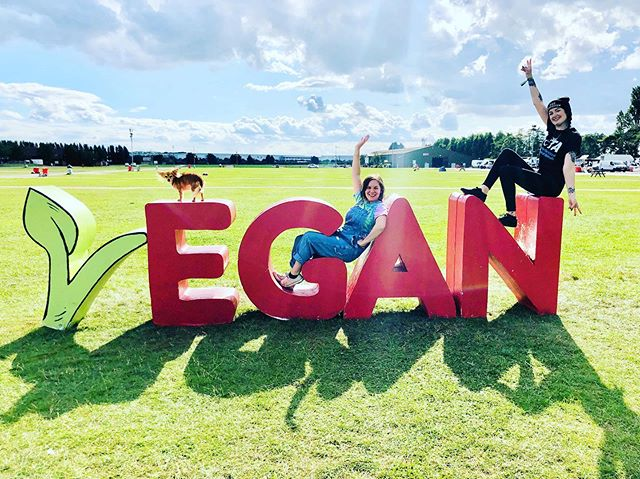 🌱And that's a wrap!! 🌱 What an incredible weekend! Honestly just wow. Thank you to absolutely everyone who stopped by, said hi, made a purchase, had a chat and made us laugh with Mooncups and Condom chats 🤣 Was amazing to be surrounded by so many vegans, and people interested in veganism ❤️ 🌱 Huge huge thanks to @vegancampout for having us! It was just 😆🥳 We didn't stop from morning until night, and were just blown away (the marquee almost literally) by everyone interested in zero Waste living 😆🌱 And obviously a massive thank you to @jadesophieb81, @natsunders, @khaleewag And @luke_constantinou For all their help! Couldn't have done it without you guys, so so grateful and lucky to have such incredible friends ☺️😁 Now I'm mostly feeling 💤 but im also sooo excited for what's next with Greener Habits 😆 🌱 We are @vegannightsldn this Thursday, and then the Mindful Market this Saturday with @imserenalee. Also our shop is still open Weds to Sun this week so come say hi!! Hopefully see you at one if not both of these events 🤪😉 Love to you all! ❤️ Now I'm off to pack your orders and count stock 😆