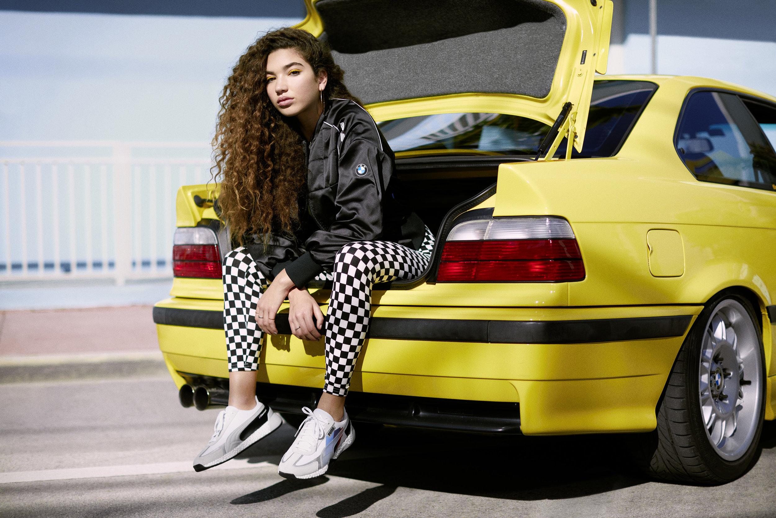 19AW_xMS_BMW_Street-Outfit-1-Womens_03690_rgb_R1.jpg