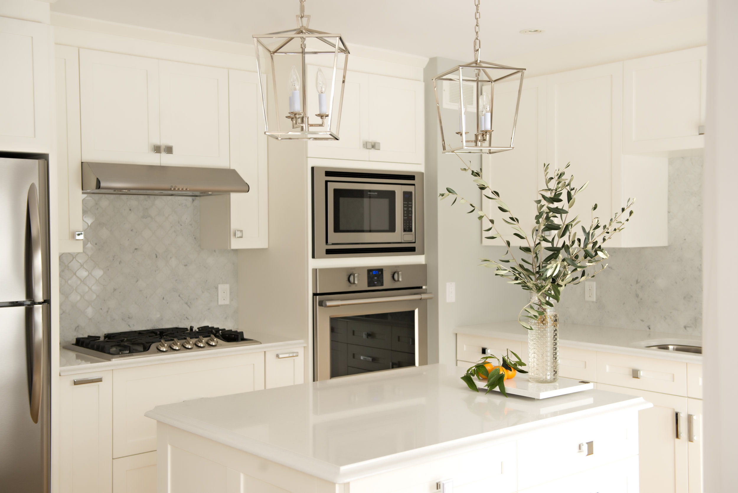 Cedar-Brae-Project-Kitchen-Appliances-White