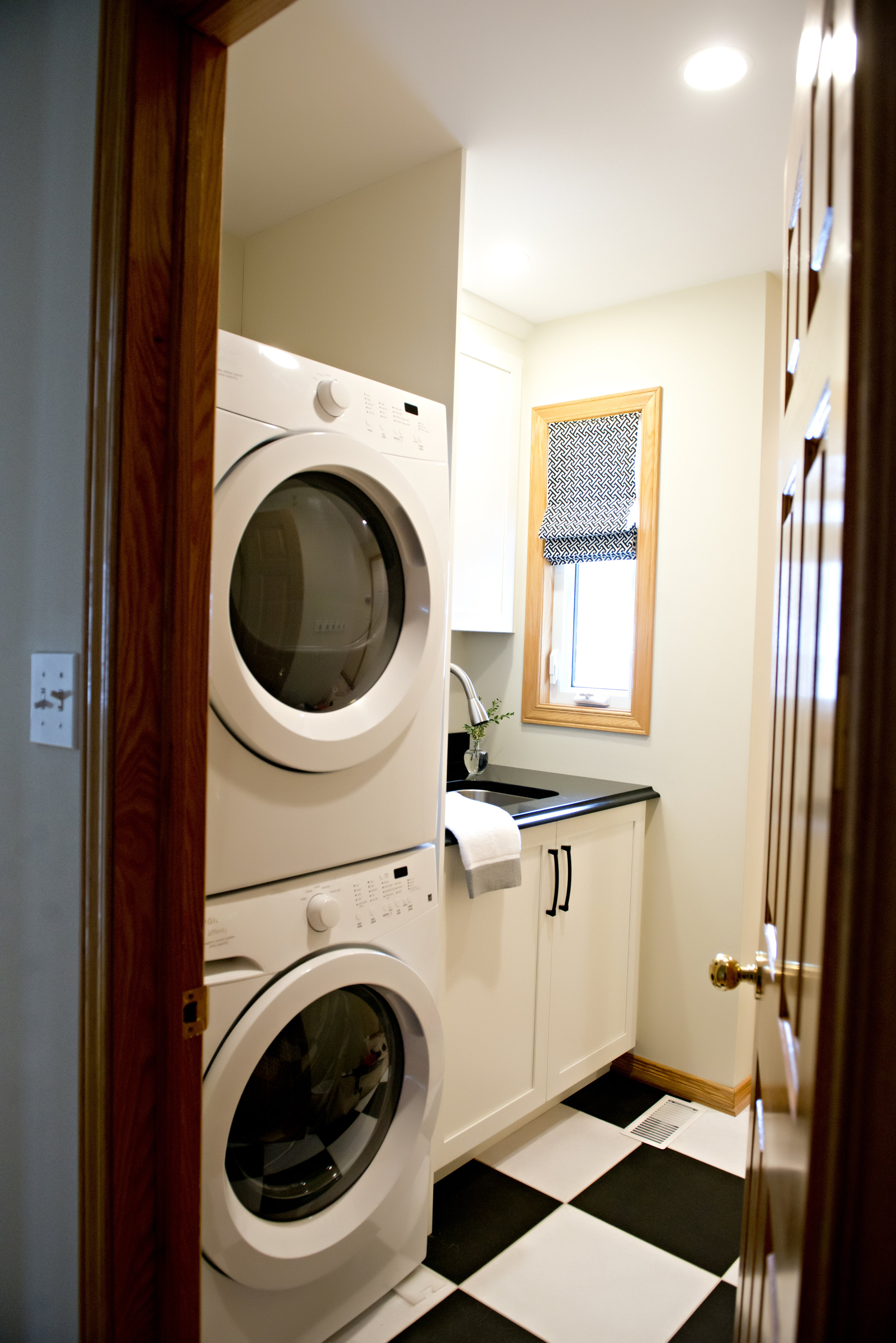 Cedar-Brae-Project-Laundry-Room-Black-White-Fl