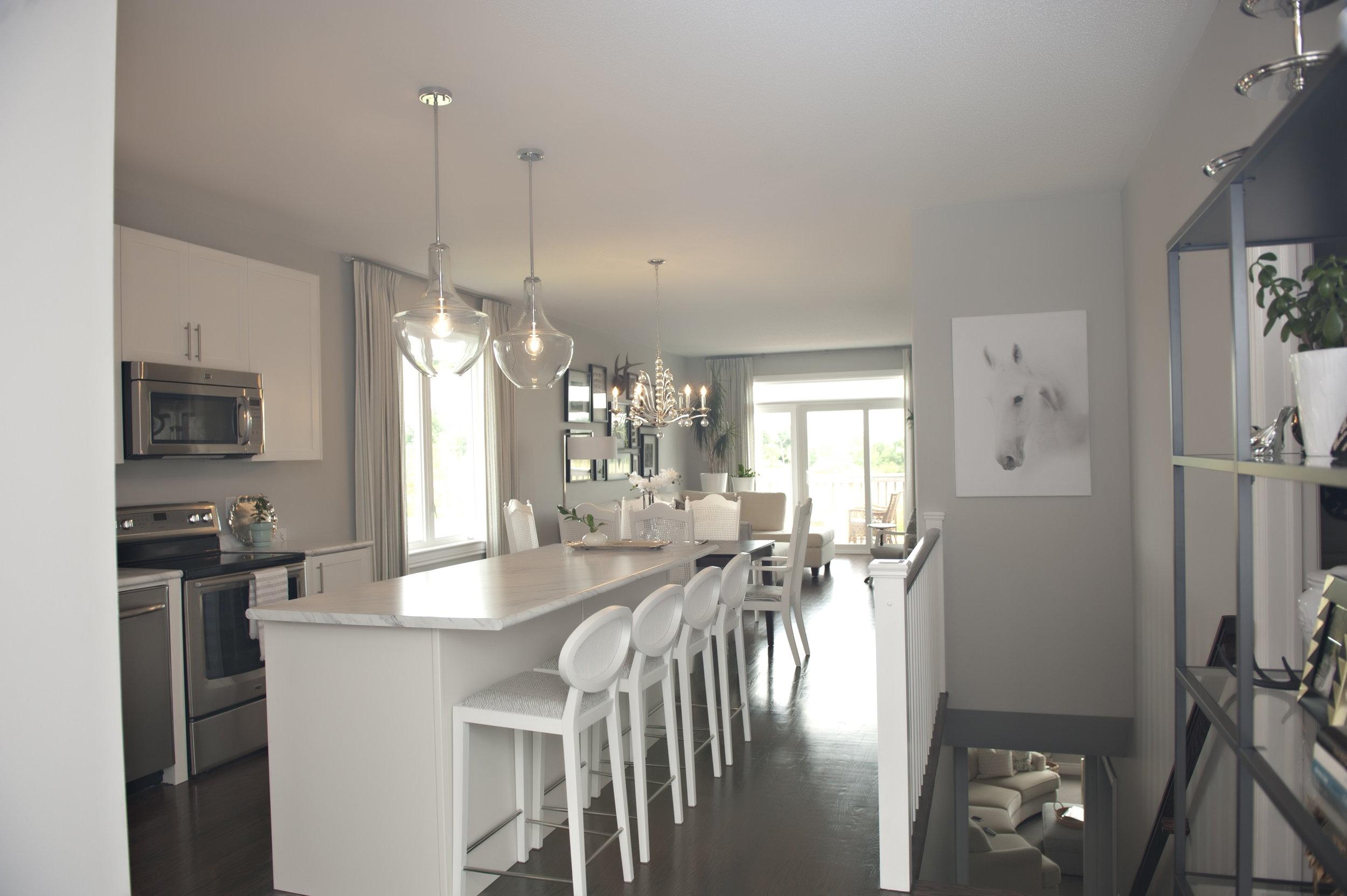 Interior-Design-Kitchen-White-Island-Seating-Kitchen
