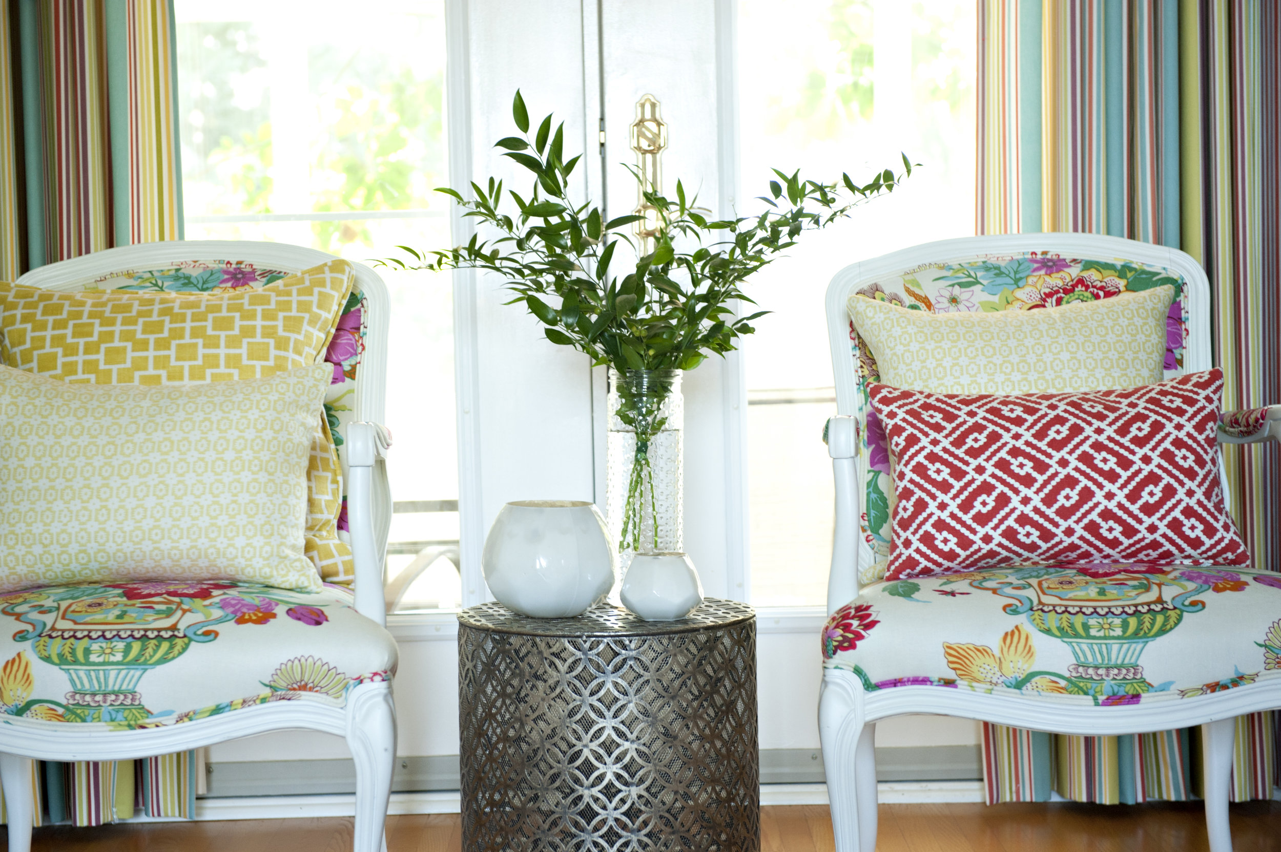 Candace-Plotz-Irving-Two-Chairs-Yellow-Red-Floral